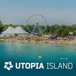 Türkisblauer Aquapark im Vordergrund das UTOPIA Island Logo