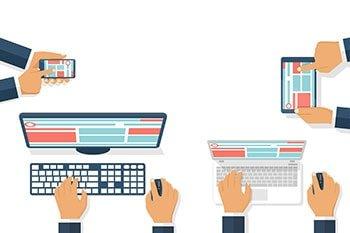 Tablet, Smartphone, Computer und Laptop mit der gleichen Webseite illustriert